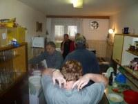 66. mezitím na Drátárce v kuchyni